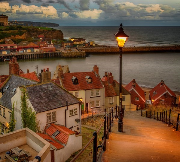 alan-rolfe-whitby-steps